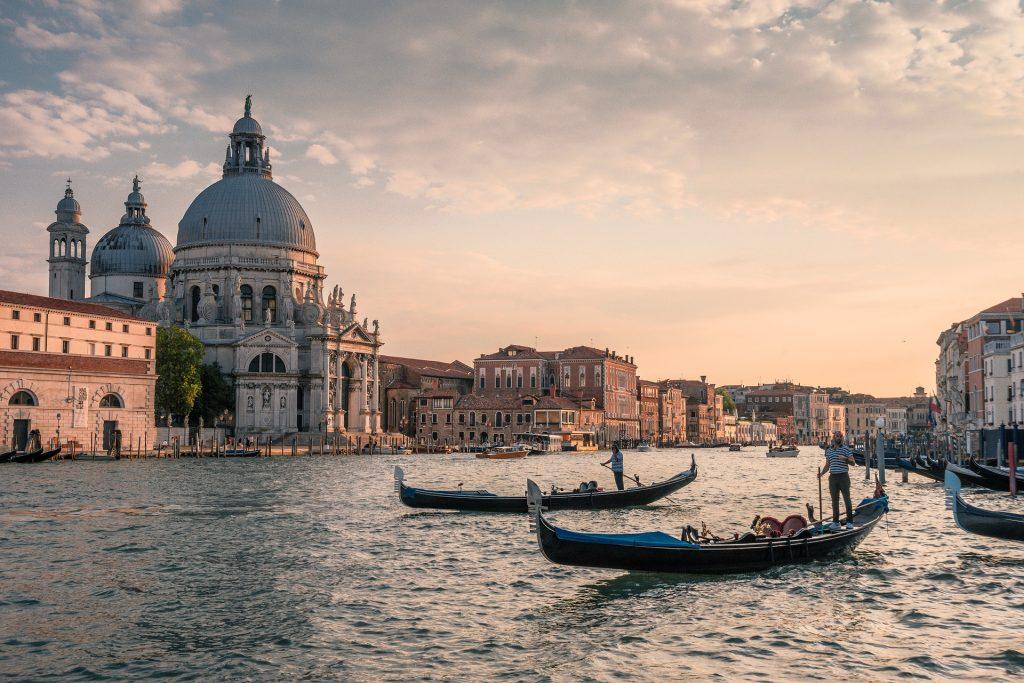 Italy_Venice_gondole-3547224_1920-1024x683 Chi Siamo